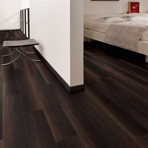 Dark Wood Laminate Flooring : Simple Design of Living Room