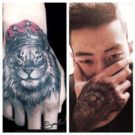 lion tattoo on finger meaning 13 king tattoos on hands