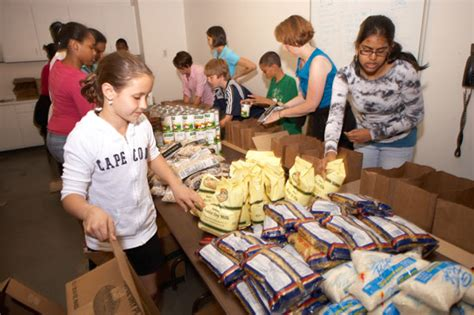 Boston Food Pantries by Family Of Volunteers Makes A Difference The Greater