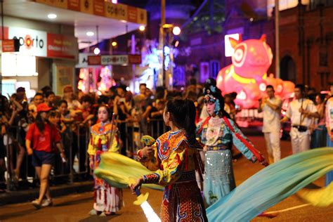 new year parade sydney file new year parade in chinatown sydney jpg