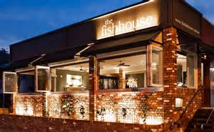 contacting the gold coasts best seafood restaurant
