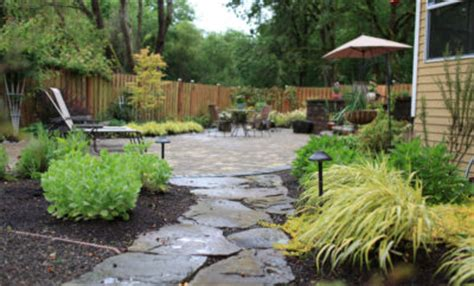 making  wonderful garden path ideas  stones amaza