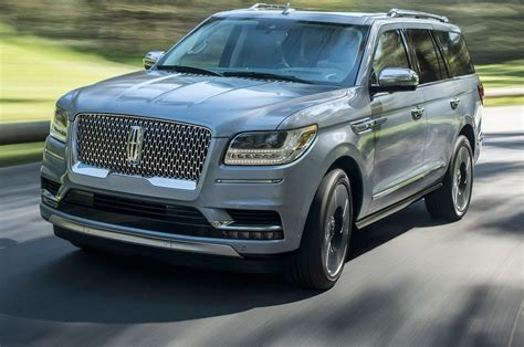 lincoln on a 2018 lincoln navigator look review motor trend