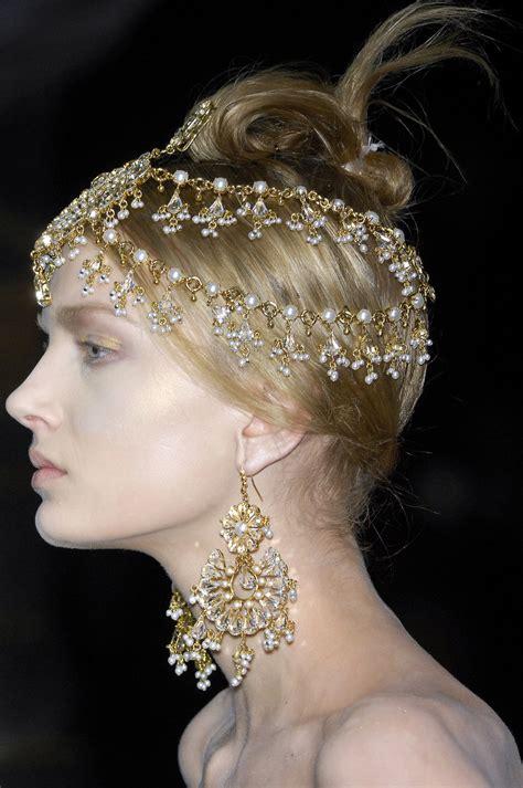 Kalung Cw aksesoris perhiasan emas nonikhairani