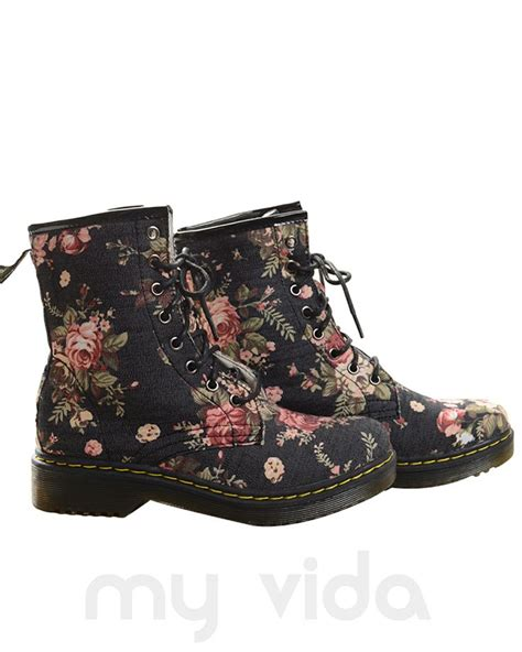 dr martens con i fiori 19 best images about anfibi on cats doc