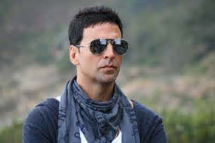 handsome looking hair styles cutting of akshay kumar akshay kumar sends big hi to pakistani fans during