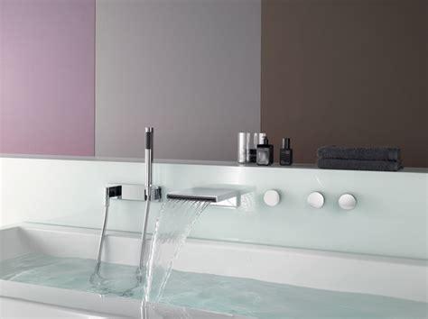 rubinetti bagno a cascata rubinetteria a parete per vasca da bagno a cascata deque