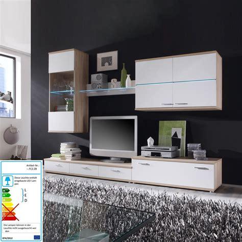 hängeschrank wohnzimmer fliesen modern