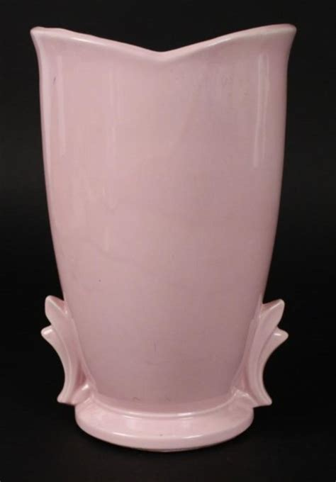 Mccoy Vase Pink by 9 Quot Pink Mccoy Made In Usa Pottery Vase