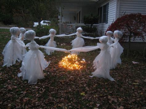 Easy To Make Halloween Decorations For Outside 20 Easy And Cheap Diy Outdoor Halloween Decoration Ideas