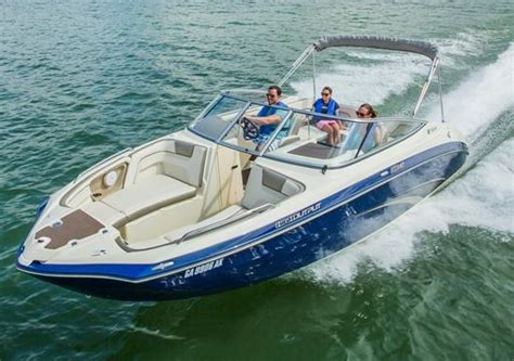 boat engine trader yamaha 240 series runabouts turn on the jets boat