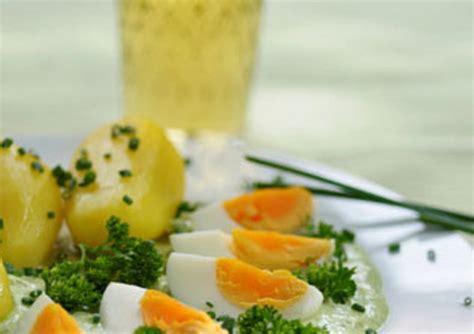 come cucinare uovo sodo uovo sodo ecco 10 consigli per cucinarlo in modo perfetto