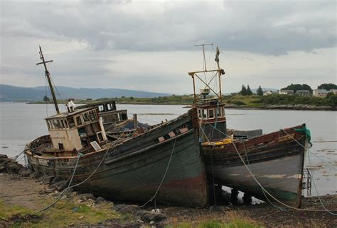 pictures of old boats old boats a photo from argyll and bute scotland trekearth