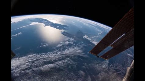 live from space earth from space real iss live footage from nasa