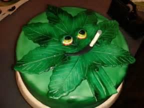 marihuana kuchen marijuana leaf cake food ideas cakes