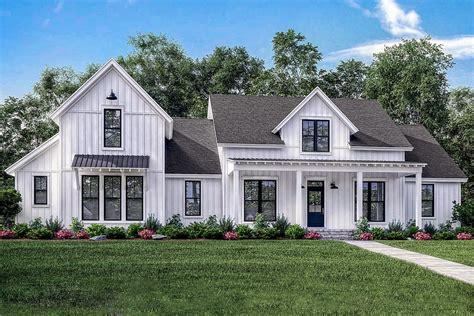 4 bed modern farmhouse with bonus garage 51773hz