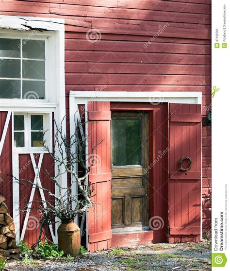 Barn Windows And Doors Barn Doors And Windows With Sculptural Elements In Afternoon Light Stock Image Image 37198761