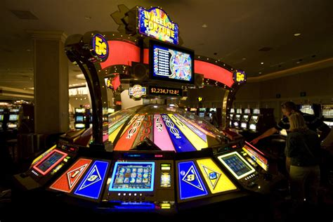 slot player wins   wheel  fortune  mgm grand igt reports las vegas review journal