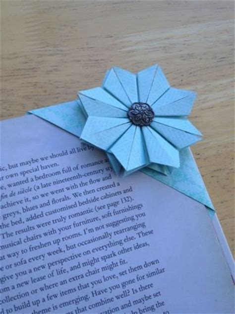 Folded Paper Corner Bookmark - 25 best ideas about origami bookmark on paper