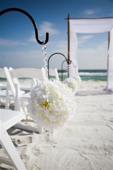 Unique Beach Wedding Décor   eWedding