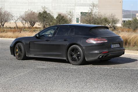 porsche panamera 2017 black 2017 porsche panamera shooting brake new spy shots gtspirit