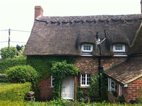 in cottage quot impetts quot 17th century kent cottage holidays in
