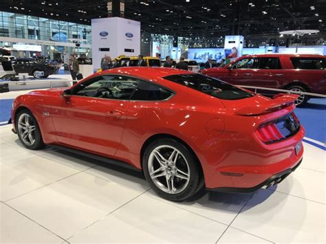 2018 mustang gt horsepower 2018 mustang gt s tach reveals 7 500 rpm redline expect