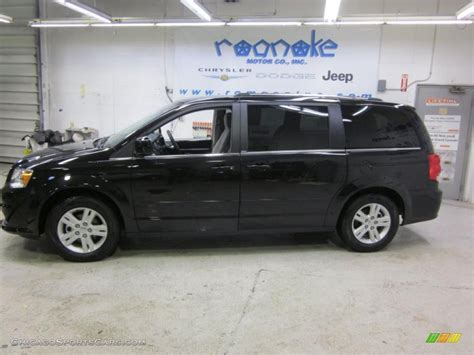 black dodge caravan 2011 dodge grand caravan crew in brilliant black