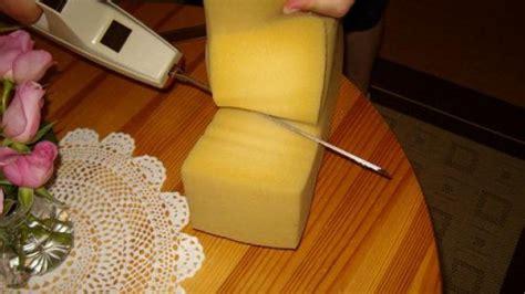 matratze zuschneiden schaumstoffmatratze k 252 rzen mit elektrischem k 252 chenmesser