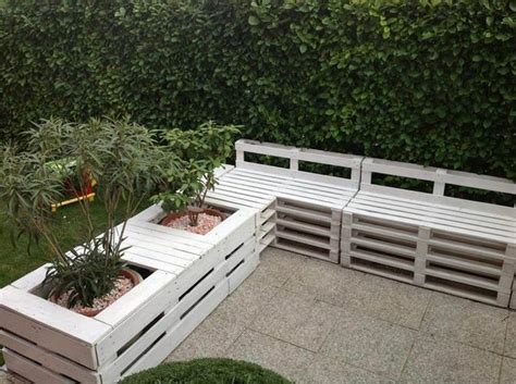 Patio Seating Ideas by Diy Pallet Furniture Ideas Patio Seating Area Planters