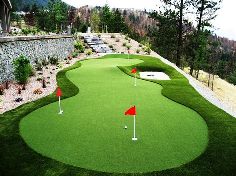 backyard putting greens conveniently putt your way to better golf golf for beginners