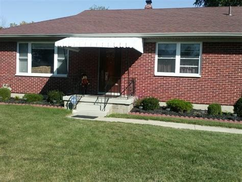 house needs this 50 s ranch needs a reved front porch help