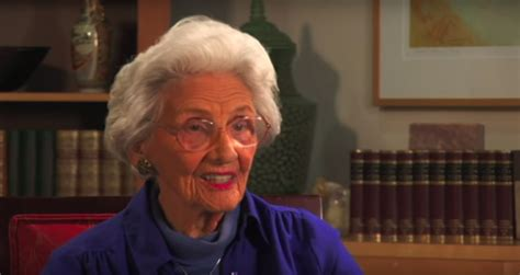 actress dies at 105 hollywood s oldest working actress connie sawyer dies at