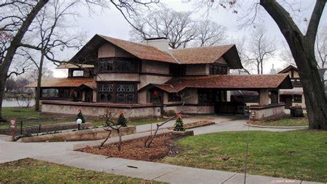 Willits House frank lloyd wright prairie school architecture in kankakee