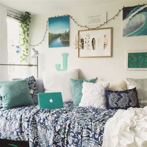 best 25 room ideas on college