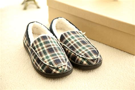 most comfortable house shoes for men most comfortable mens slippers 28 images the 25 best