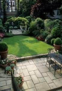 City Garden Ideas 1000 Ideas About Small City Garden On City Gardens Railway Sleepers And Gardening