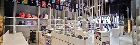 come arredare un negozio di abbigliamento come arredare un negozio di abbigliamento in 4 passi bma