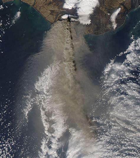 file eruption of eyjafjallaj 246 kull volcano iceland april