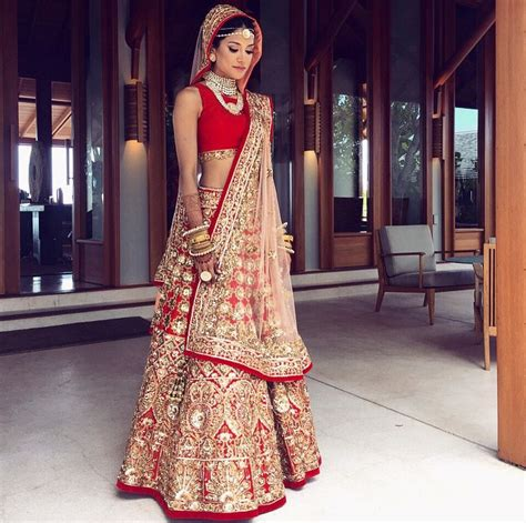 bridal hairstyles on ghagra 5 lessons from melanie kannokada s wedding in turks and