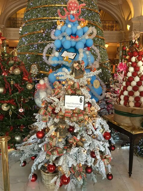 the christmas tree auction in the hotel de paris raised 80