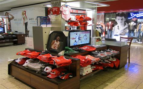 Woodfield Mall Gift Card Stores - bulls open kiosk at woodfield mall the official site of the chicago bulls