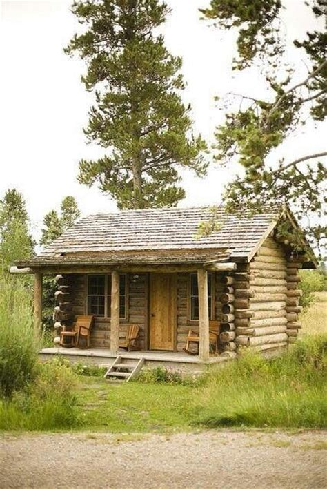 beautiful small cabins   middle   home