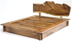 Build A Platform Bed Base by 10 Modele De Paturi De Dormitor Din Lemn Masiv