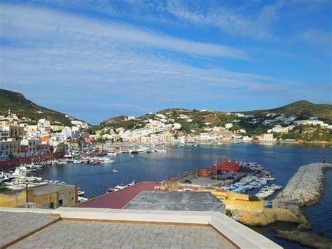 la terrazza sul porto ponza la terrazza sul porto bewertungen fotos insel ponza