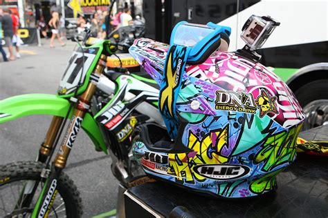 custom motocross helmet painting if you miss custom painted helmets click this moto