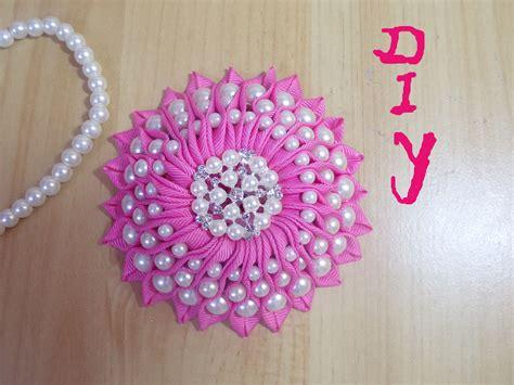 Handmade Ribbon Flowers Tutorial - diy ribbon flower with grosgrain flowers with