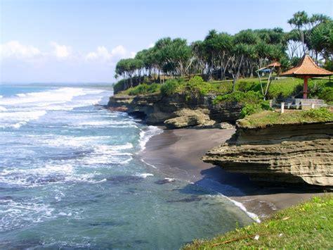 Batu Parimo panoramio photo of pantai batu hiu pangandaran