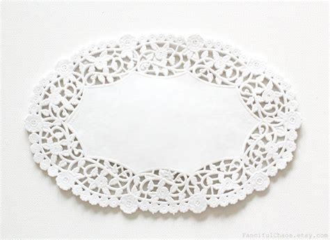 Paper Doilies - 100 white oval paper doily doilies 6x9 inch