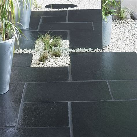 Black Limestone Patio Slabs by 10 Ideas About Patio Slabs On Paving Ideas